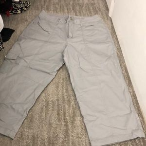 Cropped cargo pants size 10